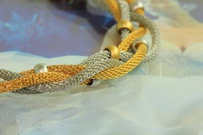 gelin kolyeleri 13 2013 Modası Gelinler İçin Renkli Altın Takı Seti Modelleri