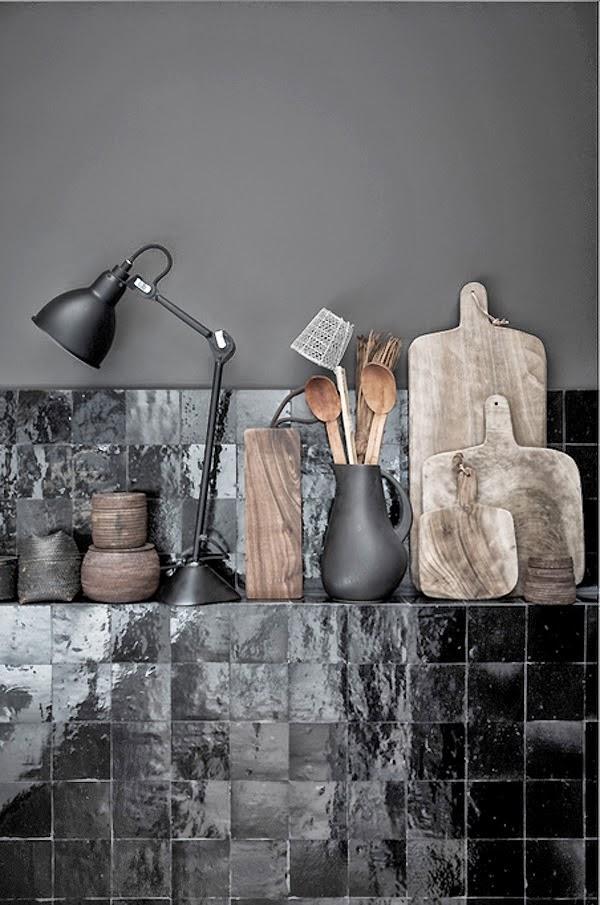 atelier rue verte le blog kitchen in black. Black Bedroom Furniture Sets. Home Design Ideas