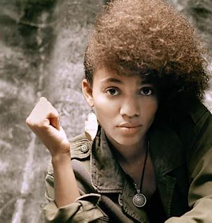Nneka singer
