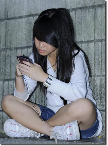 http://2.bp.blogspot.com/-HKOaO3muyso/TWPomA-VnhI/AAAAAAAAAeE/mAeImoGtbyQ/s1600/ilustrasi+remaja.jpg