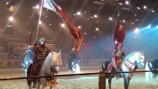 medieval+times+fighting Medieval Times Dinner and Tournament Review