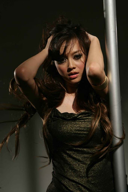Download this Aura Kasih Hot Sexy Indonesian Model picture