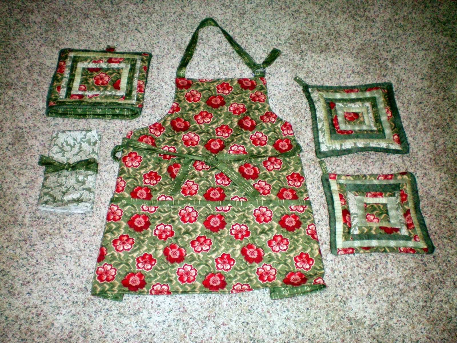 michele bilyeu creates with heart and hands free apron