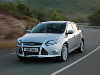 2012-Ford-Focus-09