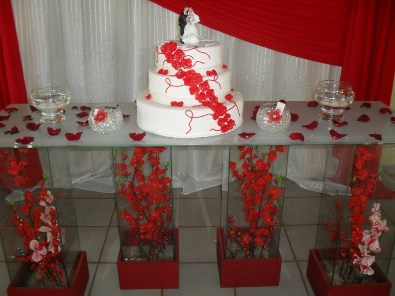 Arte em festas Decoraç u00e3o de casamento vermelho e branco -> Decoração De Casamento Simples Com Tnt Vermelho E Branco