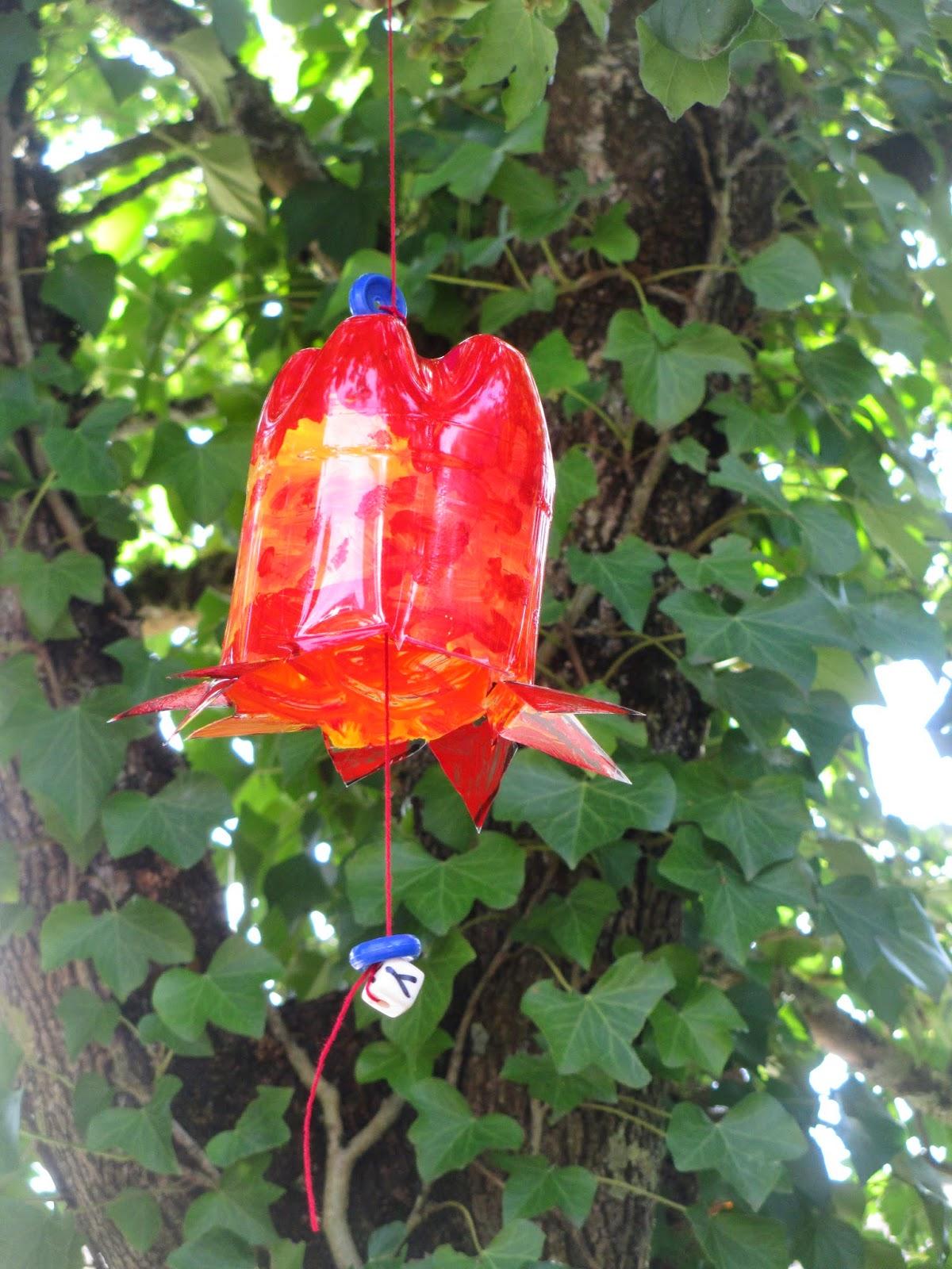bunt und farbige Deko für den Garten