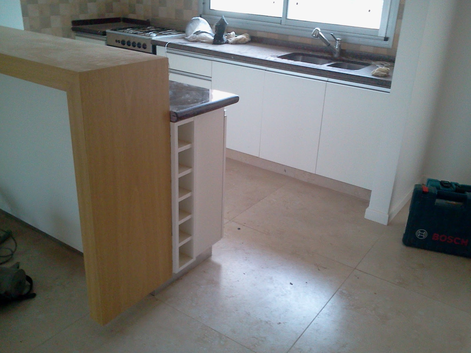 Proyectos de muebles cocina en pilar for Mueble barra cocina