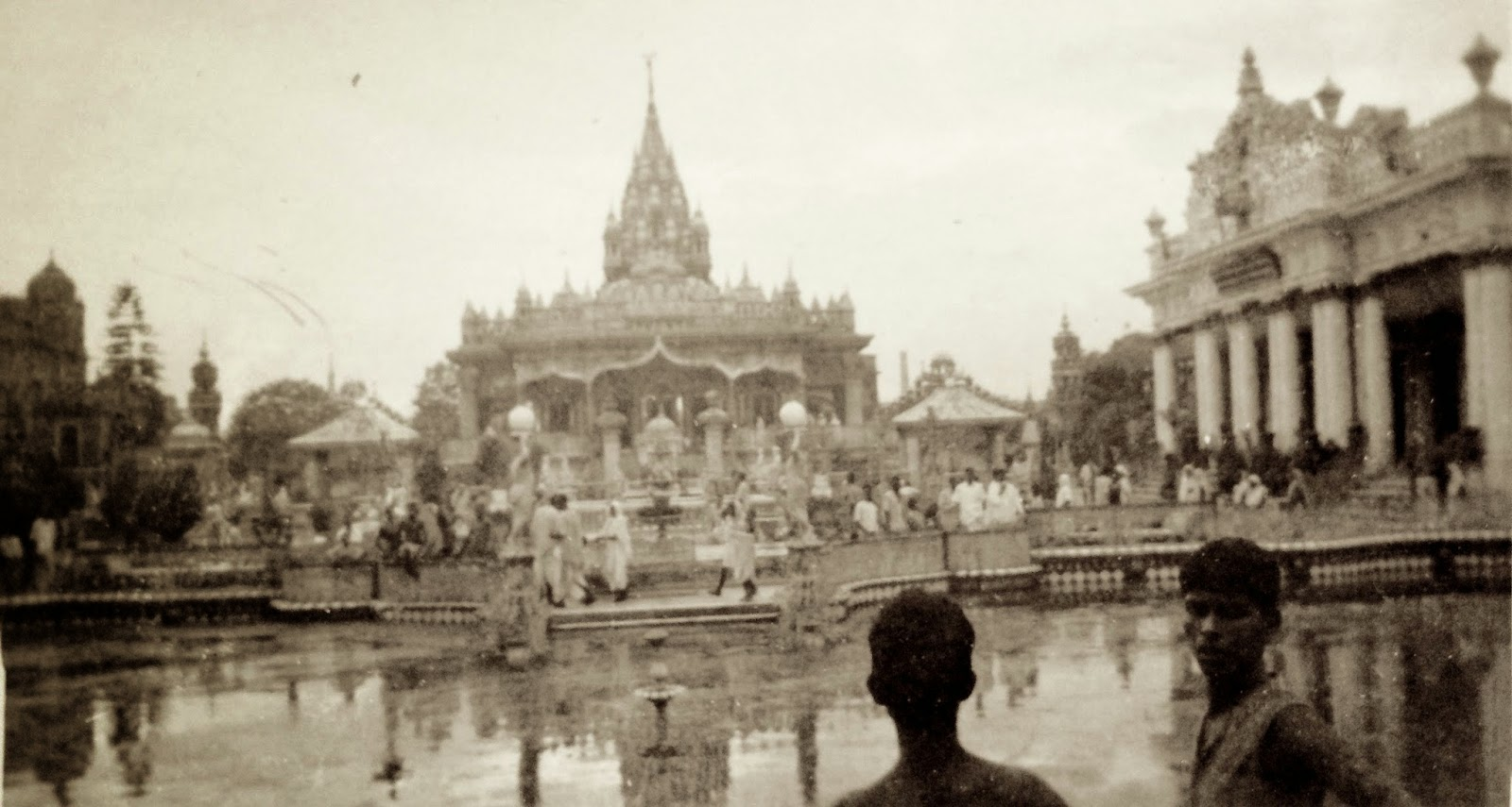 Calcutta 1944: simplelivingeating.com