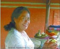 Helga König im Gespräch mit Ida Ayu Agung Mas