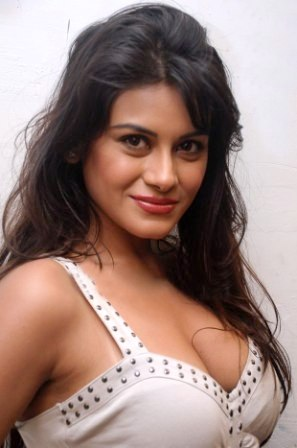 image Southindian smart girl try to enjoy with her bf