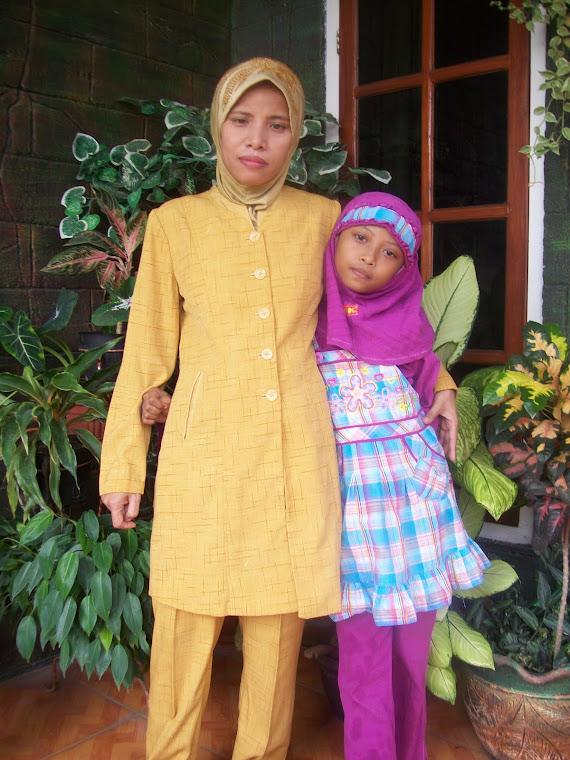 Fifi & Mama