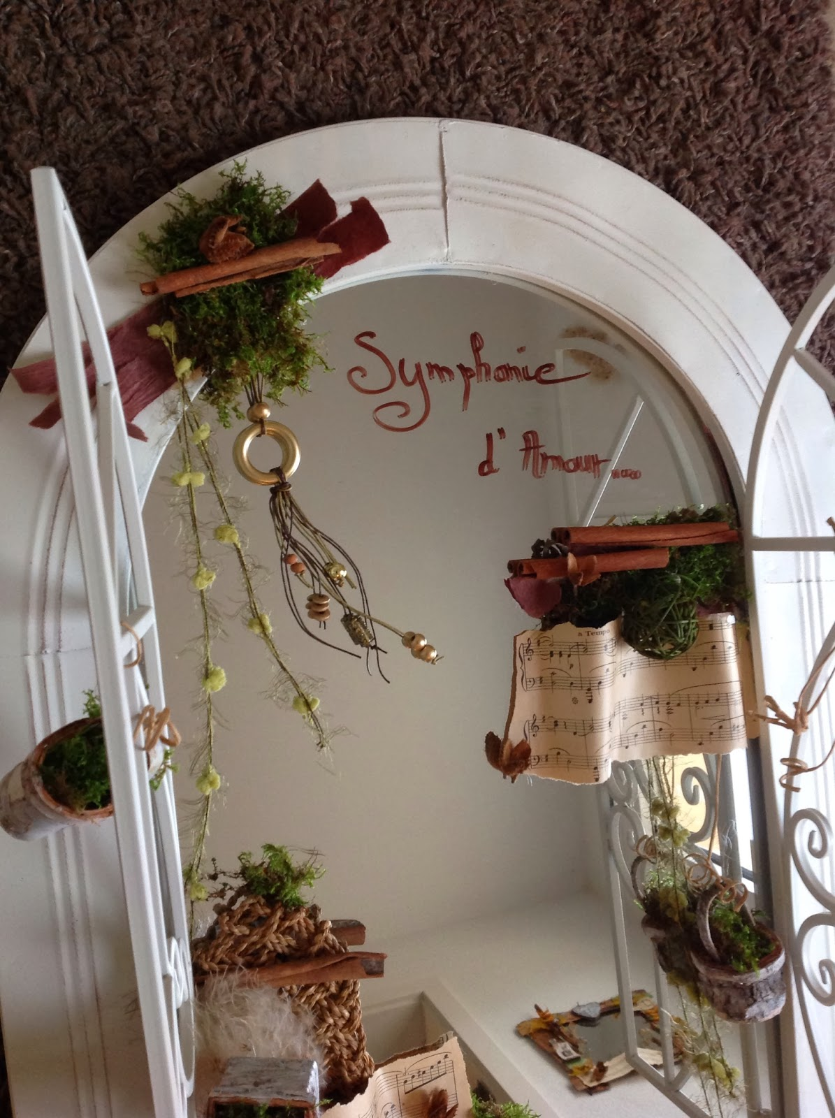 Cr ations v g tales d coration sur mesure planche et for Decoration sur miroir