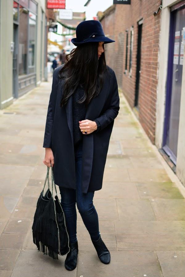 Blue_Outfit_LamourDeJuliette_WinterOutfit_Fashion_Blog_Modeblog_009