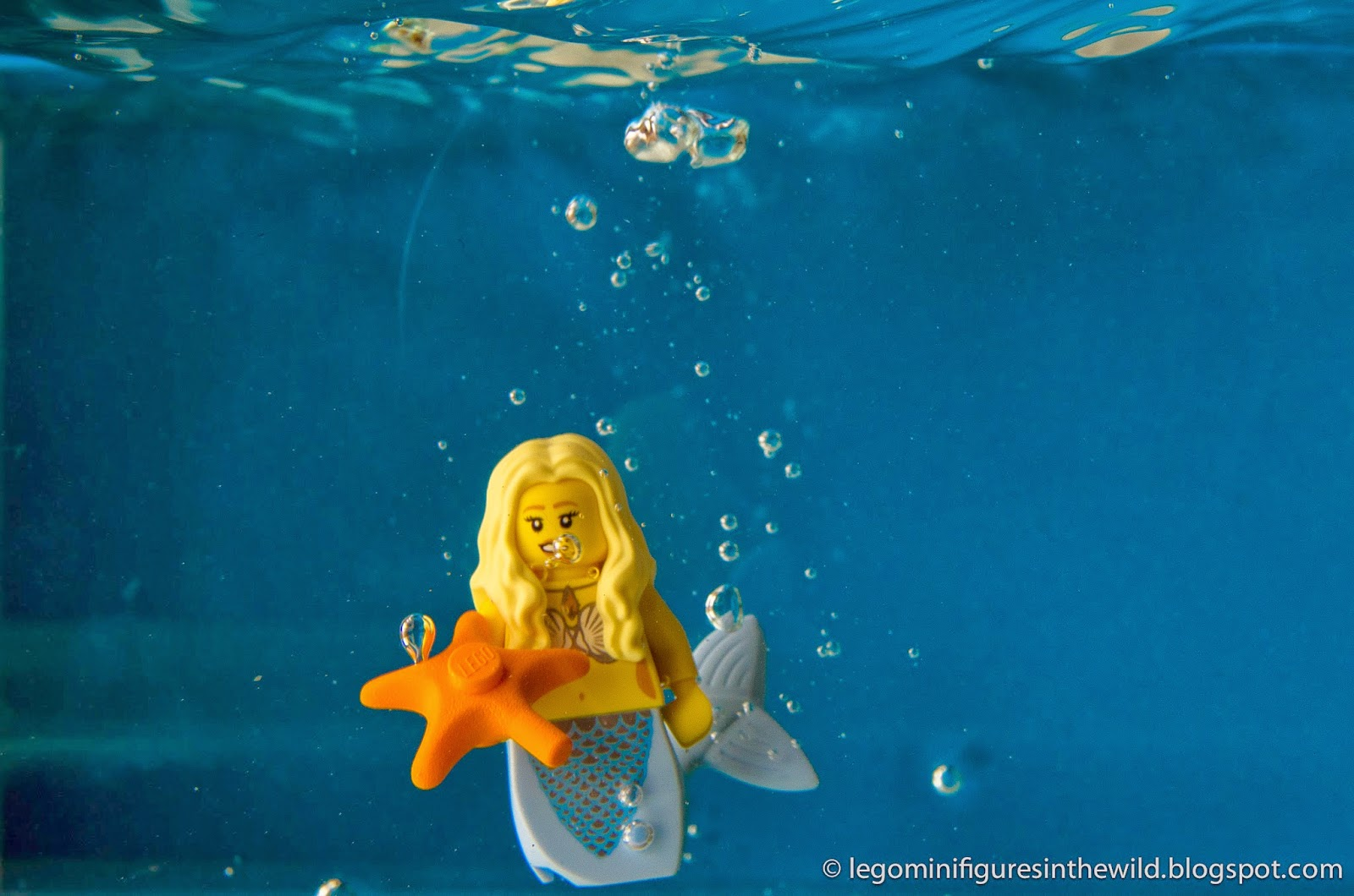 Lego Minifigure Series 9 Mermaid - Wallpaper