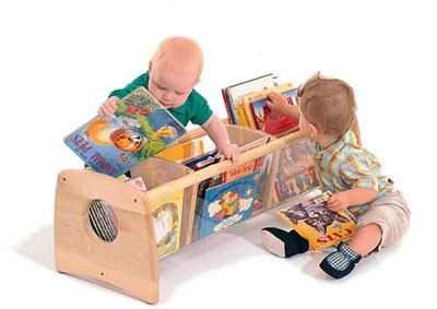 Por una infancia llena de sonrisas biblioteca de aula for Mueble juguetes