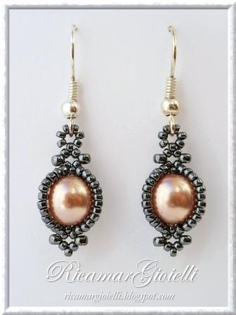 Orecchini Cit realizzati con perle 8mm e rocailles 11/0 e 15/0