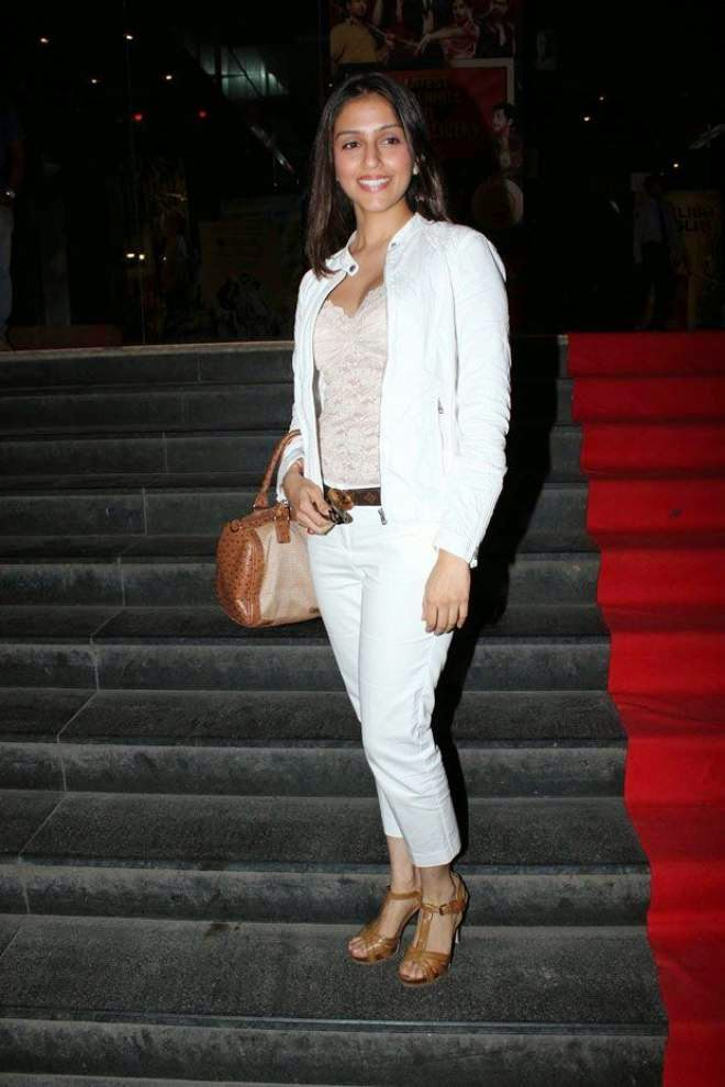 aarti chabria hot photos in white dress