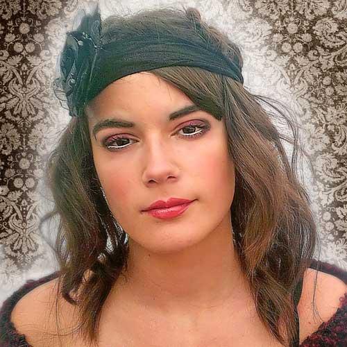 Monika Sanchez guapa al instante maquillaje vintage