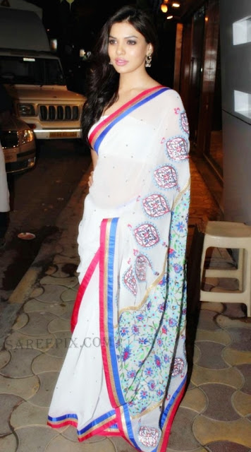 Sara-loren-white-saree-Manish-Arora-store-launch