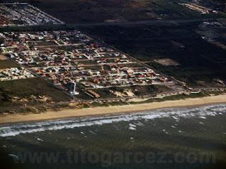 Vista aérea da praia da Aruana, em Aracaju - Sergipe