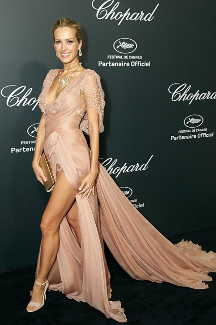 Petra Nemcova in a beige Elie Saab Couture gown and carried a Salvatore Ferragamo clutch at Cannes 2014