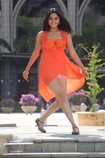 sunaina thigh show images