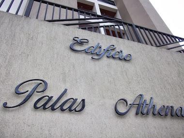 LETREIROS EM LETRAS CAIXA FACHADAS EDIFÍCIO PALAS ATHENA GUARATINGUETÁ- SÃO PAULO