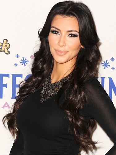 Kim Kardashian Romance Romance Hairstyles, Long Hairstyle 2013, Hairstyle 2013, New Long Hairstyle 2013, Celebrity Long Romance Romance Hairstyles 2019