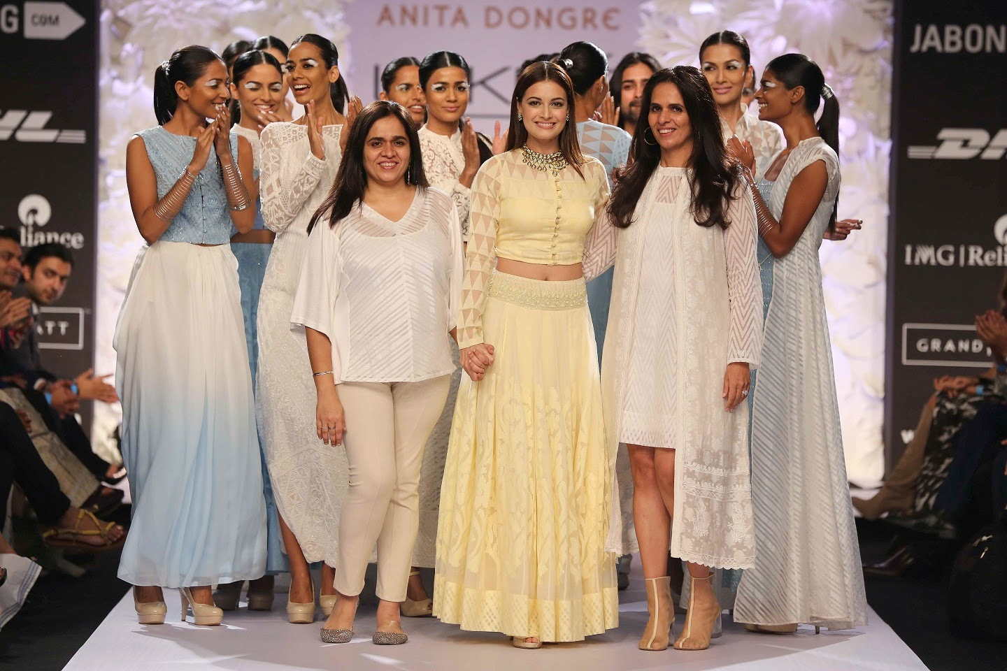 The gorgeous Dia Mirza glided down the catwalk in an ethereal self designed lemon lehenga and long sleeved blouse followed by models wearing waisted full-sleeved dress and maxi. Soon there were pretty pastel sections that offered a mélange of creations.