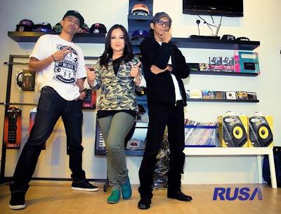 Altimet, Isma & Saiful Apek - Pak Pung 2013 MP3