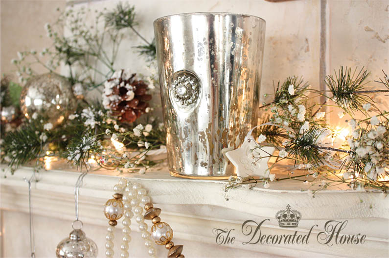 The Decorated House: ~ Shiny & Brite - White Christmas Decorating