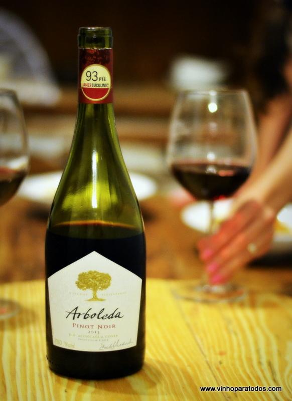 Um belo exemplar de Pinot chileno: Arboleda Pinot Noir 2013
