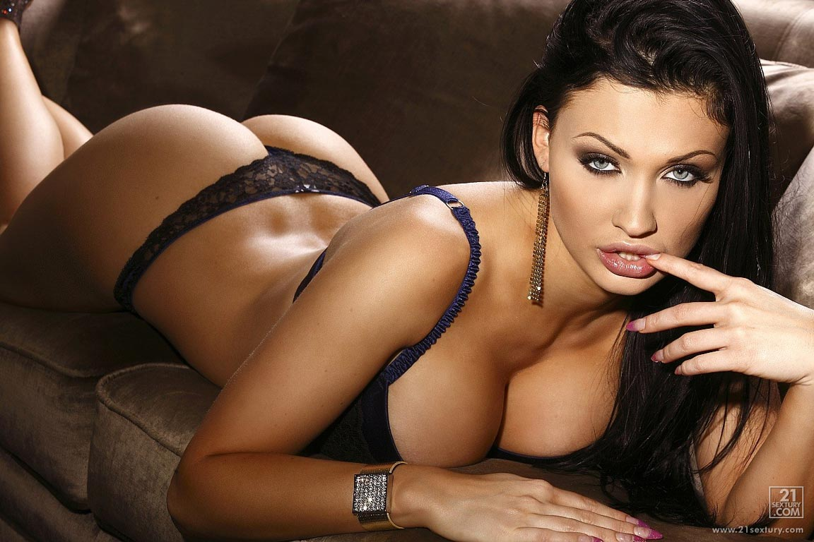 windows on beauty images: Aletta Ocean, sensual beauty