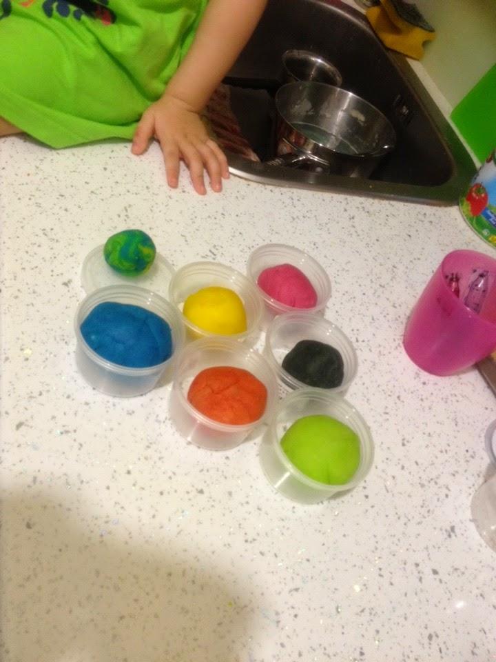 Как сделать тесто плей до в домашних
