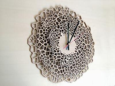 https://www.etsy.com/listing/128093474/large-wooden-wall-clock-giraffe?ref=favs_view_3