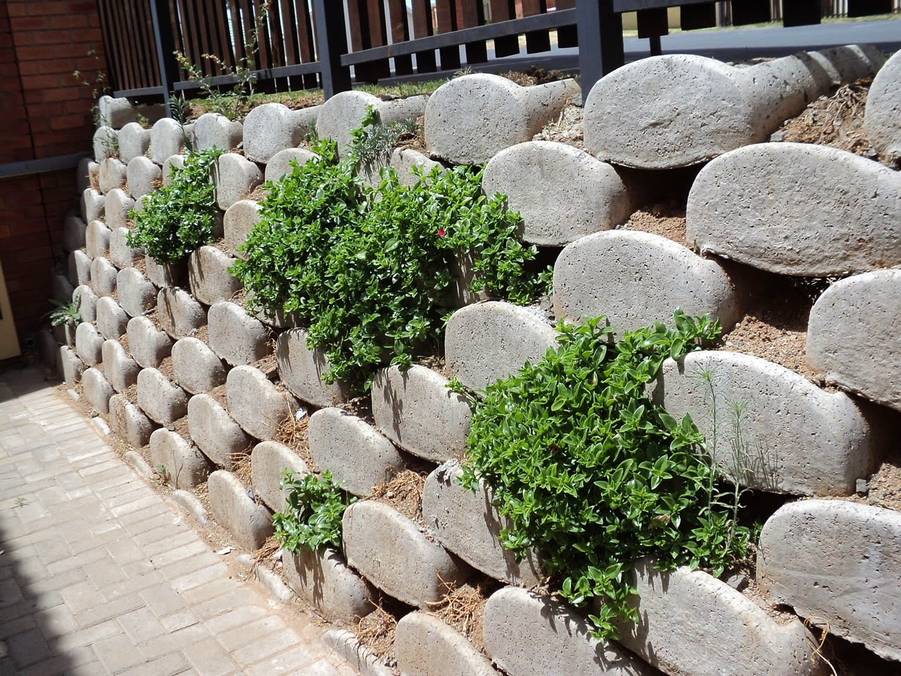Creative Retaining Amp Landscaping 4 Reasons Why You Should