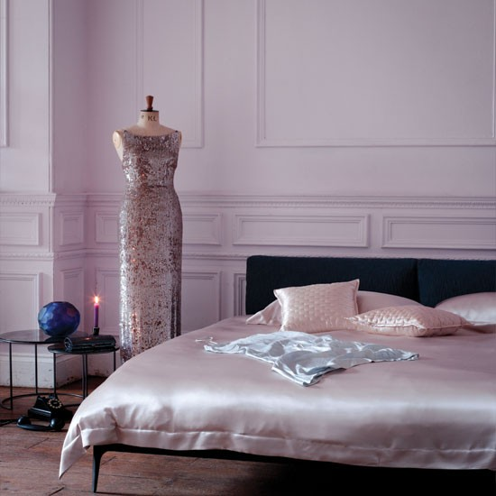 Chic home design and decor 4 purple glamorous bedrooms for Glamorous bedroom pictures