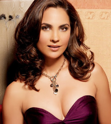 Lara Dutta medium tousled curly hairstyle