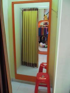 interior toko pakaian cantiqu semarang 07