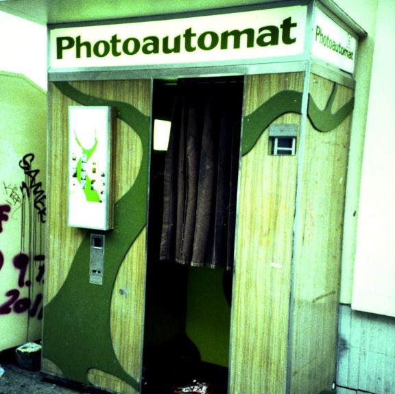 analogic photo booth, berlin, estamostendenciados, fotomatones analógicos, fotomatón, fotomatón Berlin, lomography, photo, Photo booth, photo booth Berlin, Photoautomat, Viajes & Consejos,