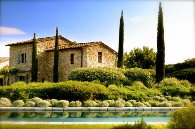 http://www.italianvillas.com/villa.aspx?villa=111492
