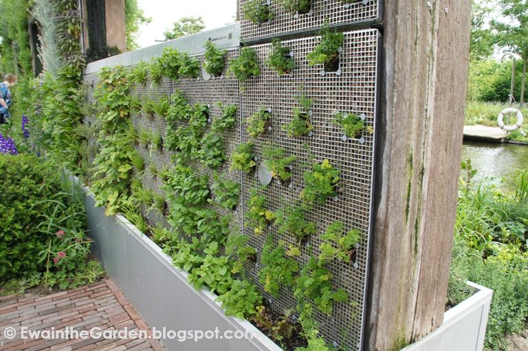 the vertigro modular growing system at grand designs live