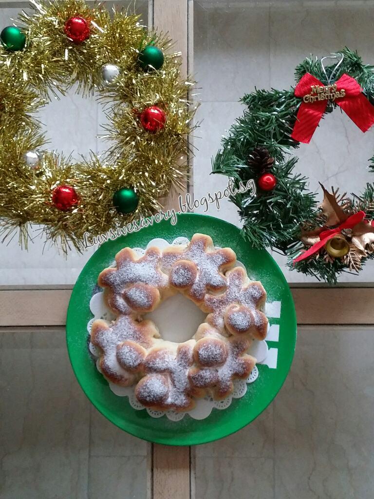 LuvswesavoryMilky Wreath Bread