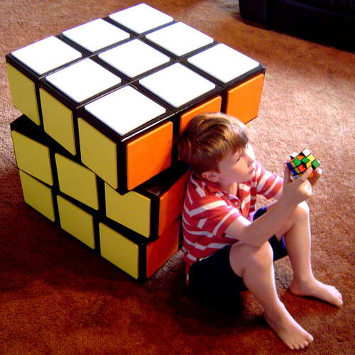diy un meuble fa on rubik 39 s cube. Black Bedroom Furniture Sets. Home Design Ideas