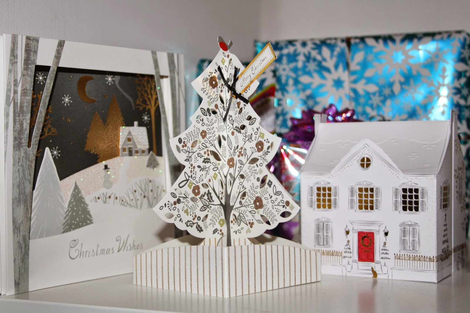 REVIEW: HALLMARK POP UP CHRISTMAS CARDS - PRETTY YOUNG THING