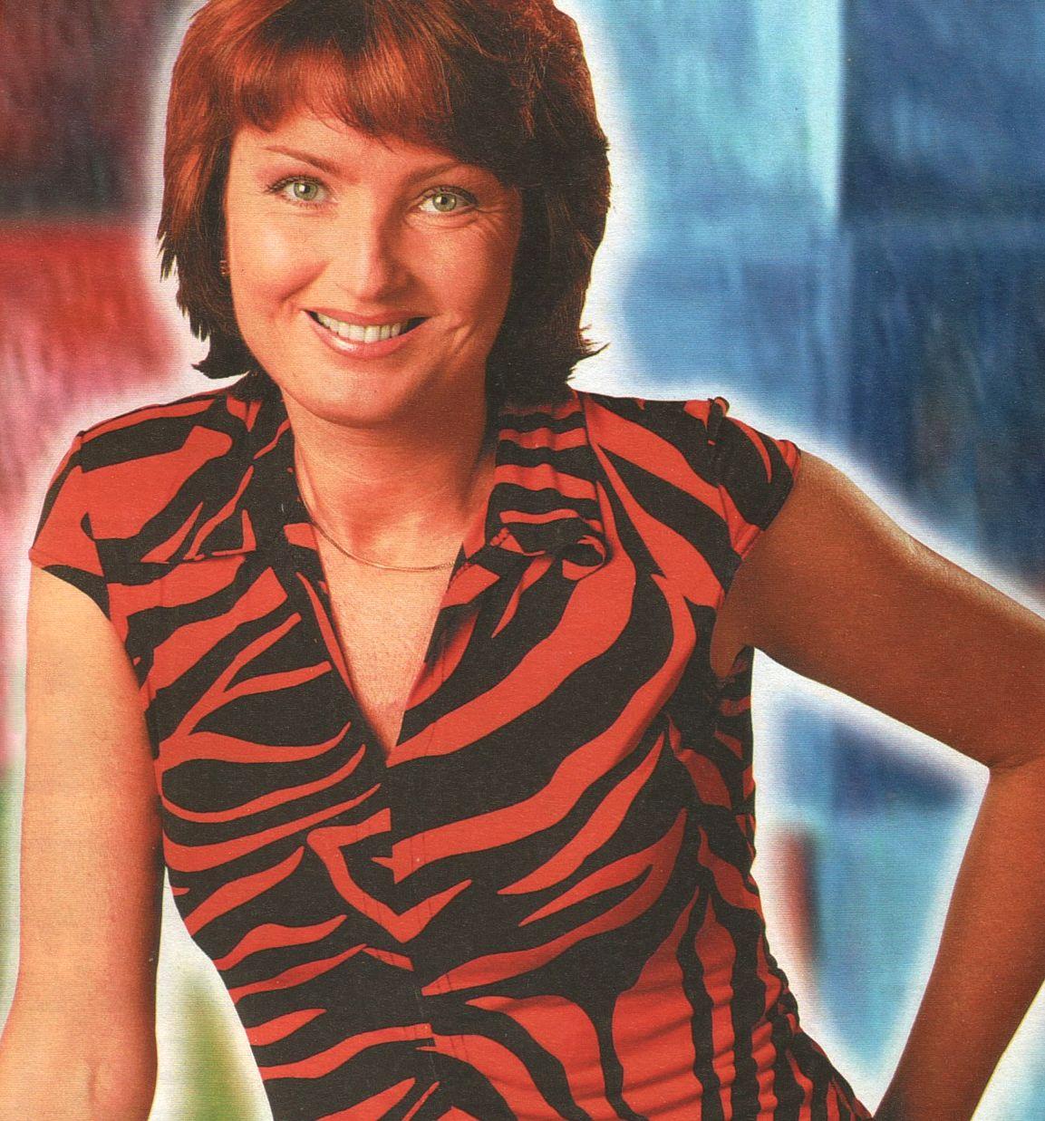 http://2.bp.blogspot.com/-HOvbus9wzXU/TiHj-_nv2HI/AAAAAAAAtZY/jZGEnSHLvVk/s1600/2004%2BLudmila%2BFarkasovska.jpg