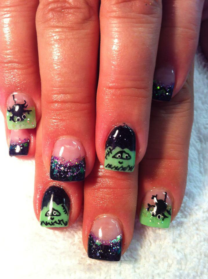Pinkies To Pitties: Halloween Nail Art.....Spoooooky.