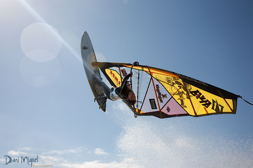 Eleazar Alonso Ele windsurf