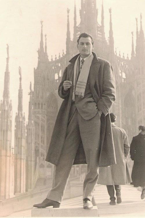 HOW TO DRESS LIKE A STYLISH MAN