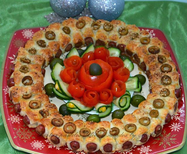 http://tartaspastelesdulcesysaladosbympop.blogspot.com.es/2013/12/corona-de-navidad-con-hojaldre-y.html